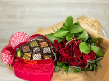 Enter To Win A Luxury Valentine S Day Bouquet Chocolates